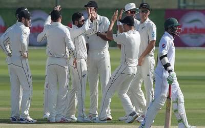 نیوزی لینڈ کے خلاف پاکستان کی شکست کے ساتھ ہی انتہائی شرمناک ریکارڈ قائم ہوگیا