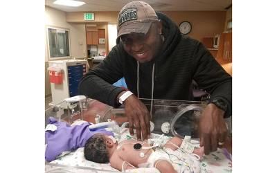 بچے کی جان بچانا چاہتے ہیں یا ماں کی؟ حاملہ خاتون کے شوہر سے آپریشن سے پہلے ڈاکٹر نے سوال کیا تو اس نے بچے کا انتخاب کرلیا اور پھر۔۔۔