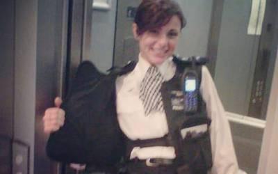 نوجوان خاتون پولیس آفیسر جس کے عشق میں ہزاروں مرد گرفتار ہوگئے