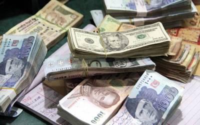 2018 میں روپے کی قدر میں 26 فیصد کمی، بیرونی قرضوں میں 2400 ارب کا اضافہ