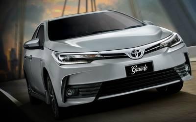 سوزوکی کے بعد ٹیوٹا کرولا نے گاڑیوں کی قیمتوں میں اتنا زیادہ اضافہ کر دیا کہ پاکستانی گاڑی خریدنا ہی بھول جائیں گے