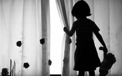 فیصل آباد میں چار افراد کی 8 سالہ بچی کے ساتھ جنسی زیادتی لیکن اس کے بعد اب یہ چاروں افراد کہاں ہیں ؟ جان کر آپ کیلئے آنسو روکنا ناممکن ہو جائے گا