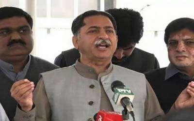 سپیکر قومی اسمبلی نے ن لیگی رکن اسمبلی جاوید لطیف کو گوشوارے جمع نہ کرانے پر اجلاس سے نکال دیا