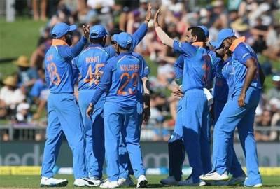 بھارت نے پہلے ون ڈے میں نیوزی لینڈ کو شکست دے کر سیریز میں 0-1 کی برتری حاصل کر لی