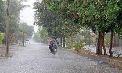 پنجاب اور خیبرپختونخوا کے مختلف شہروں میں بارش کے بعد موسم مزید سرد ہوگیا