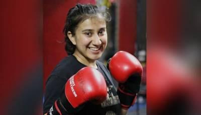 پاکستان کی پہلی خاتون مکسڈ مارشل آرٹ انیتا نثار نے بین الاقوامی فائٹ مقابلہ جیت لیا