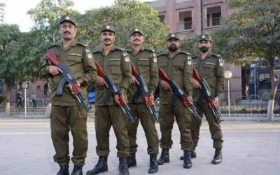 پنجاب پولیس کی وردی پھر تبدیل، وزیراعلیٰ نے منظوری دے دی