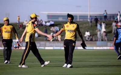 پشاور زلمی نے لاہور قلندرز کو شکست دے دی