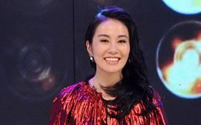 39 سالہ چینی اداکارہ کو ملک چھوڑنے سے روک دیا گیا، جہاز پر بیٹھنے کی اجازت نہ دی گئی