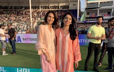 ایرین ہولینڈ نے پاکستانی لباس پہن کر نوجوانوں کے دلوں پر 'چھریاں' چلا دیں