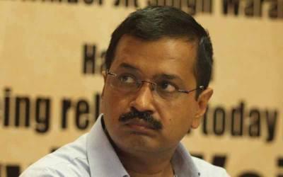 دہلی کے وزیراعلیٰ اروند کجروال کو تھپڑ پڑگیا