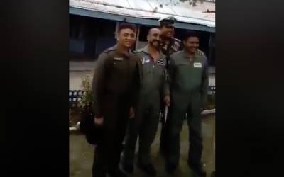 60 گھنٹوں تک پاکستان کی حراست میں رہنے والے بھارتی پائلٹ ابھی نندن کی ایک اور ویڈیو وائرل ہو گئی