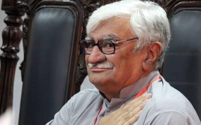 معیشت کے ارسطو بتائیں اب 108روپے فی لیٹر پٹرول کس کی جیبیں بھرنے کیلئے فروخت کیا جا رہا ہے:اسفند یار ولی خان