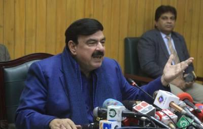 عمران خان کی کابینہ میں اب اگلی تبدیلی کب ہونے جارہی ہے؟ شیخ رشید نے بتادیا