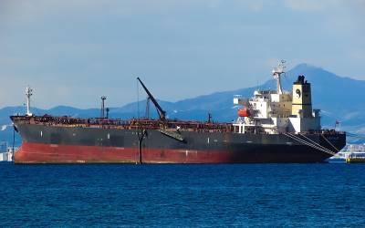 متحدہ عرب امارات کی سمندری حدود میں 4 بحری جہاز کس نے تباہ کئے؟ انتہائی خطرناک خبر آگئی