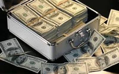 اوپن مارکیٹ میں ڈالر کی اونچی اڑان