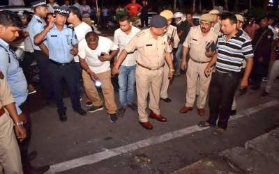 بھارتی شہر گوہاٹی میں شاپنگ مال کے باہر بم دھماکہ