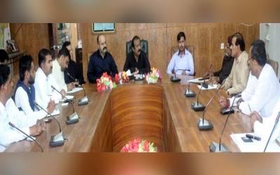 ہندو کمیونٹی کی زرعی زمینوں، کمرشل پلاٹوں، مندروں اور دیگر مذہبی عمارتوں پر قبضے ختم کرانے سے متعلق ریونیو افسران سے ڈپٹی کمشنر دفتر عمر کوٹ میں اجلاس طلب