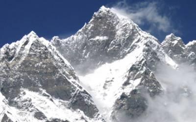 ہمالیہ کی چوٹی ماﺅنٹ مکالو سرکرتے ہوئے کوہ پیما جان سے ہاتھ دھوبیٹھا