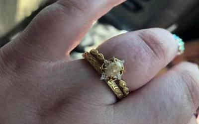 'میں اُلٹی کر دوں گی' خاتون کے دودھ سے بنی شادی کی انگوٹھی دیکھ کر انٹرنیٹ صارفین اُلٹیاں کرنے لگے