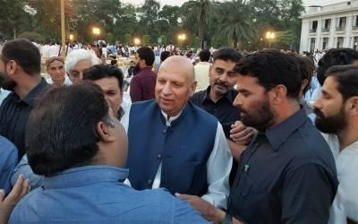 گورنر پنجاب کی افطار پارٹیوں سے تحریک انصاف میں کون پریشان ہے، سہیل وڑائچ نے پی ٹی آئی کے اندر کی سب باتیں بتادیں
