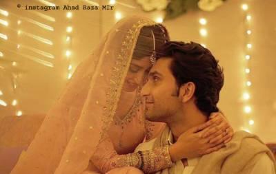 پاکستان کی معروف اداکارہ سجل علی نے منگنی کر لی