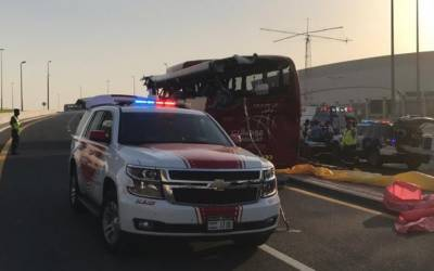 دبئی میں تیز رفتار مسافر بس حادثے کا شکار ہو گئی ،10 بھارتی شہریوں سمیت 17 مسافر ہلاک