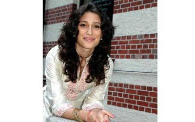 آصف زرداری کی گرفتاری پر فاطمہ بھٹو نے دل تڑپا دینے والی بات کہہ دی