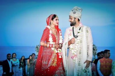 بھارت کی سب سے خوبصورت مسلمان خاتون رکن اسمبلی نے حلف اٹھانے سے پہلے ہندو رسم و رواج کے مطابق شادی کرلی