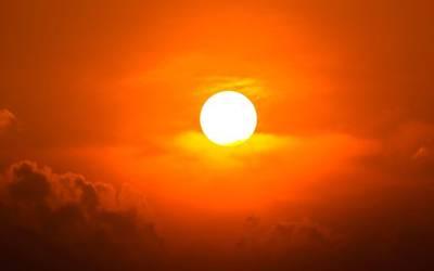 آج دنیا بھر سے سورج کے پجاری نکل کر باہر کیوں آگئے؟ وہ انتہائی حیران کن بات جو آپ کو معلوم نہیں