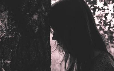 شوہر سے جسمانی تعلق قائم کرنے میں ناکام پاکستانی لڑکی شوہر سے مار کھاتی رہی لیکن پھر ڈاکٹر نے معائنہ کیا تو ایسی وجہ سامنے آگئی جو سوچی بھی نہ تھی