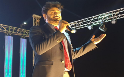 گلوکار ابرار الحق کی مدھر بھری آواز نے سعودیہ میں دھوم مچا دی، شائقین جھوم اٹھے
