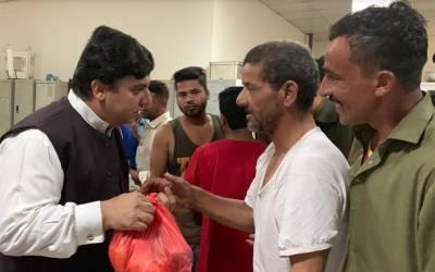 قونصلیٹ آف پاکستان دبئی کے قونصل جنرل کا دورہ لیبر کیمپ