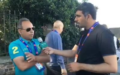 پاکستان اور بنگلہ دیش میچ پر لندن کے لارڈز گراؤنڈ کے باہر سپورٹس صحافیوں سے گفتگو