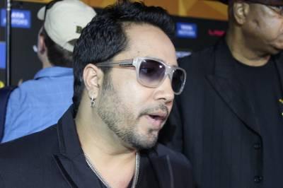 پاک بھارت کشیدگی اور کشمیریوں پر ظلم وستم لیکن معروف بھارتی گلوکار میکاسنگھ کی کراچی میں پرفارمنس لیکن دراصل یہ اہتمام کس نے کررکھا تھا؟ تہلکہ خیز انکشاف