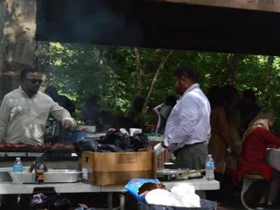 بڑی عید کی بڑی خوشیاں ،قربانی سے فراغت کے بعد پرتکلف کھانوں کی دعوتیں ،شہریوں نے مصروف رہنے کا نیا بہانہ ڈھونڈ لیا