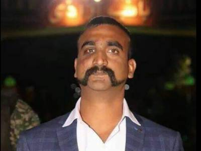 بھارت نے پائلٹ ابھی نندن کو تیسرا بڑا فوجی اعزاز دینے کا اعلان کر دیا