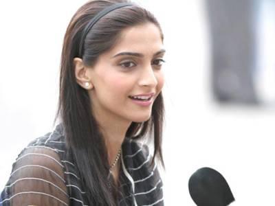 مقبوضہ کشمیر کی صورتحال، اداکارہ سونم کپور بھی میدان میں آگئیں