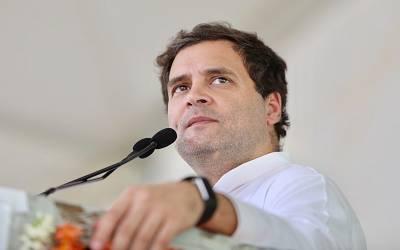 کانگرس کے رہنما راہول گاندھی رہنماﺅں کیساتھ سری نگر پہنچ گئے
