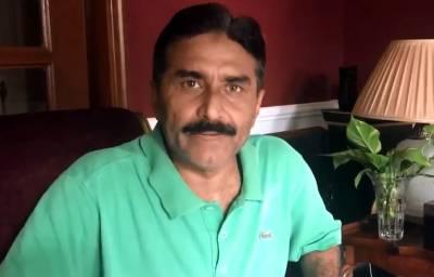 """""""پاکستان کے لوگ مر گئے ہیں کیا جو۔۔۔"""" جاوید میانداد 'پھٹ' پڑے"""