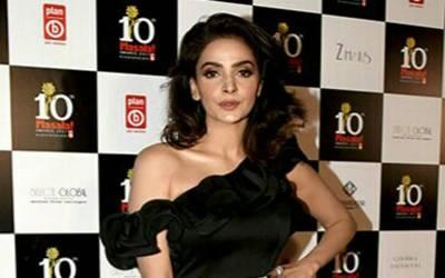 اداکارہ صبا قمر نے ماہرہ خان سے دوستی نہ ہونے کی وجہ بتا دی
