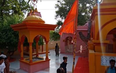 عمر کوٹ کے قدیمی مندر آکھاڑہ پر مقامی ہندو تاجر کا مبینہ طور پر قبضہ