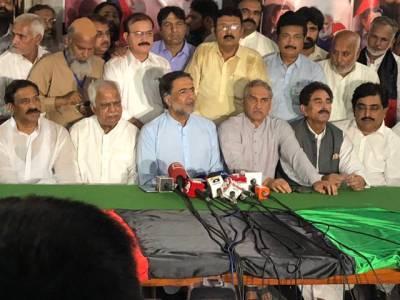 عمران خان اپوزیشن کو کنٹینر اور روٹی دینے کا وعدہ پورا کر یں،نیب پگڑیاں اچھالنے کی بجائے ثبوت پیش کرے:قمر زمان کائرہ