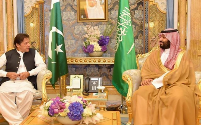 """"""" آپ کمرشل فلائٹ سے امریکہ نہیں جا سکتے"""" سعودی ولی عہد نے وزیر اعظم عمران خان کو روک دیا"""