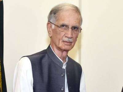 پاکستان بہت جلد معاشی بحران سے نکلے گا، اپوزیشن کس منہ سے حکومت کے خلاف باتیں کررہی ہے:پرویز خٹک