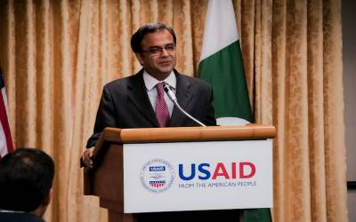 پاکستان اور امریکا افغانستان میں امن عمل کیلئے کوشاں ہیں: اسد مجید خان