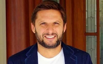 پاکستان کی ٹیم سری لنکا سے دوسرا ٹی ٹوینٹی میچ کیوں ہاری اور شاداب کو کیا کرنا چاہیے ؟ شاہد آفریدی نے نہایت اہم مشورہ دیدیا
