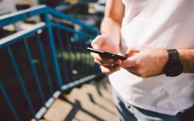 مقبوضہ کشمیر میں پوسٹ پیڈ موبائل سروسز بحال، لیکن ساتھ ہی بھارتی موبائل کمپنیوں نے کشمیریوں کے ساتھ کیا ہاتھ کردیا؟