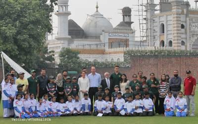 خاندان سے محروم مغربی معاشرے کی شہزادی کیٹ میڈلٹن پاکستان کے خاندانی نظام کی گرویدہ ہوگئیں