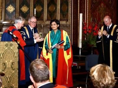 ڈاکٹر ثانیہ نشتر کوکنگز کالج لندن کی طرف سے ڈاکٹریٹ آف سائنس کی اعزازی ڈگری سے نواز دیا گیا